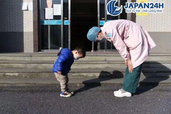 Quy tăc văn hóa chào hỏi người XKLĐ Nhật Bản cần biết